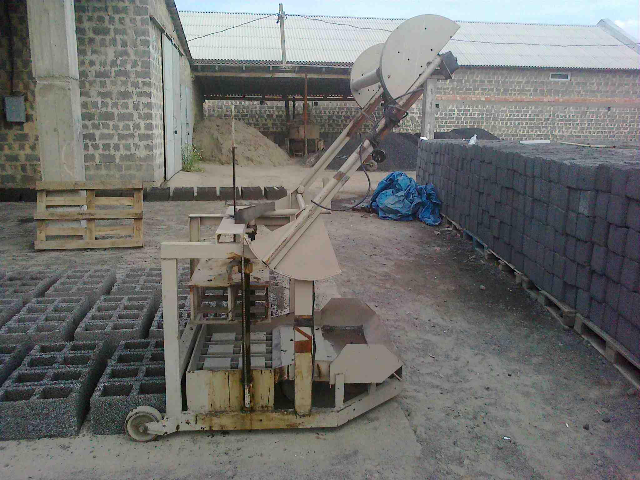 Станок для виробництва блоків, зображення 1