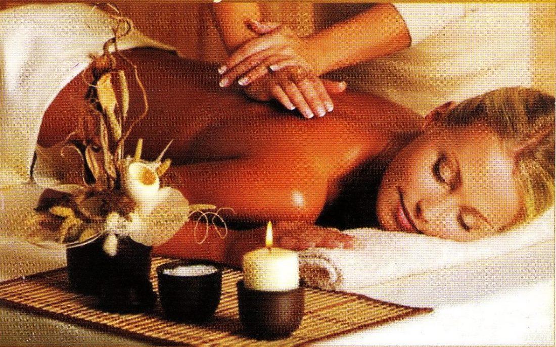 Фото женщины массаж
