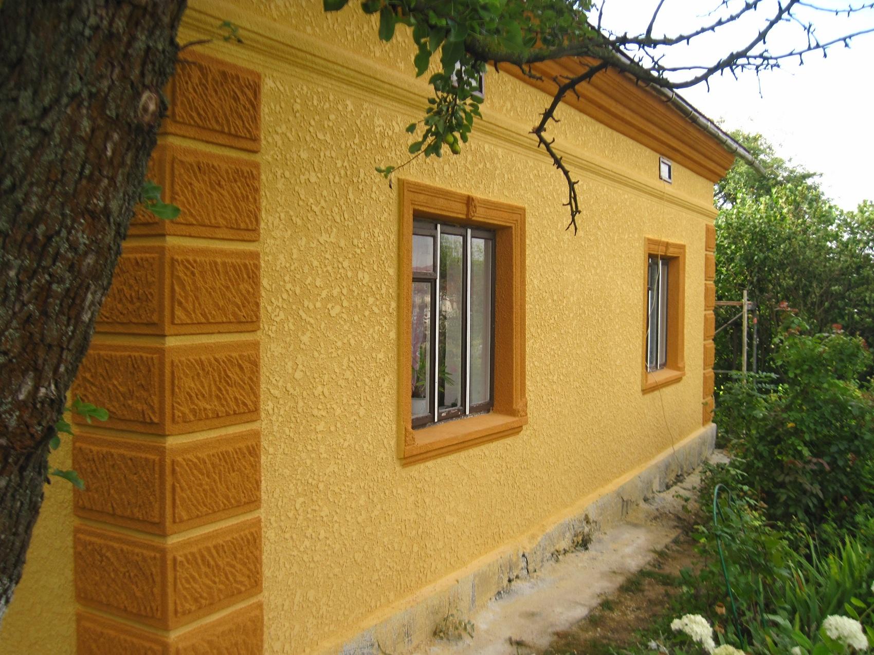 Декоративная штукатурка для фасада дома своими руками видео