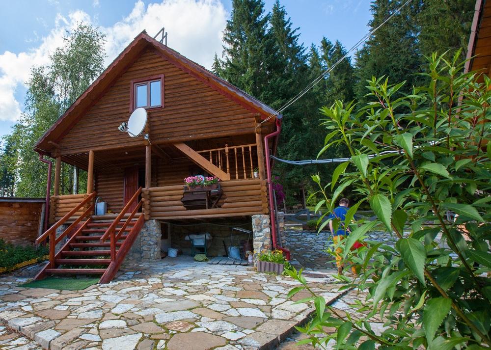 Паляница. Трехэтажный дом в лесу с камином на 2 номера (6 мест). удобный подъезд., зображення 1
