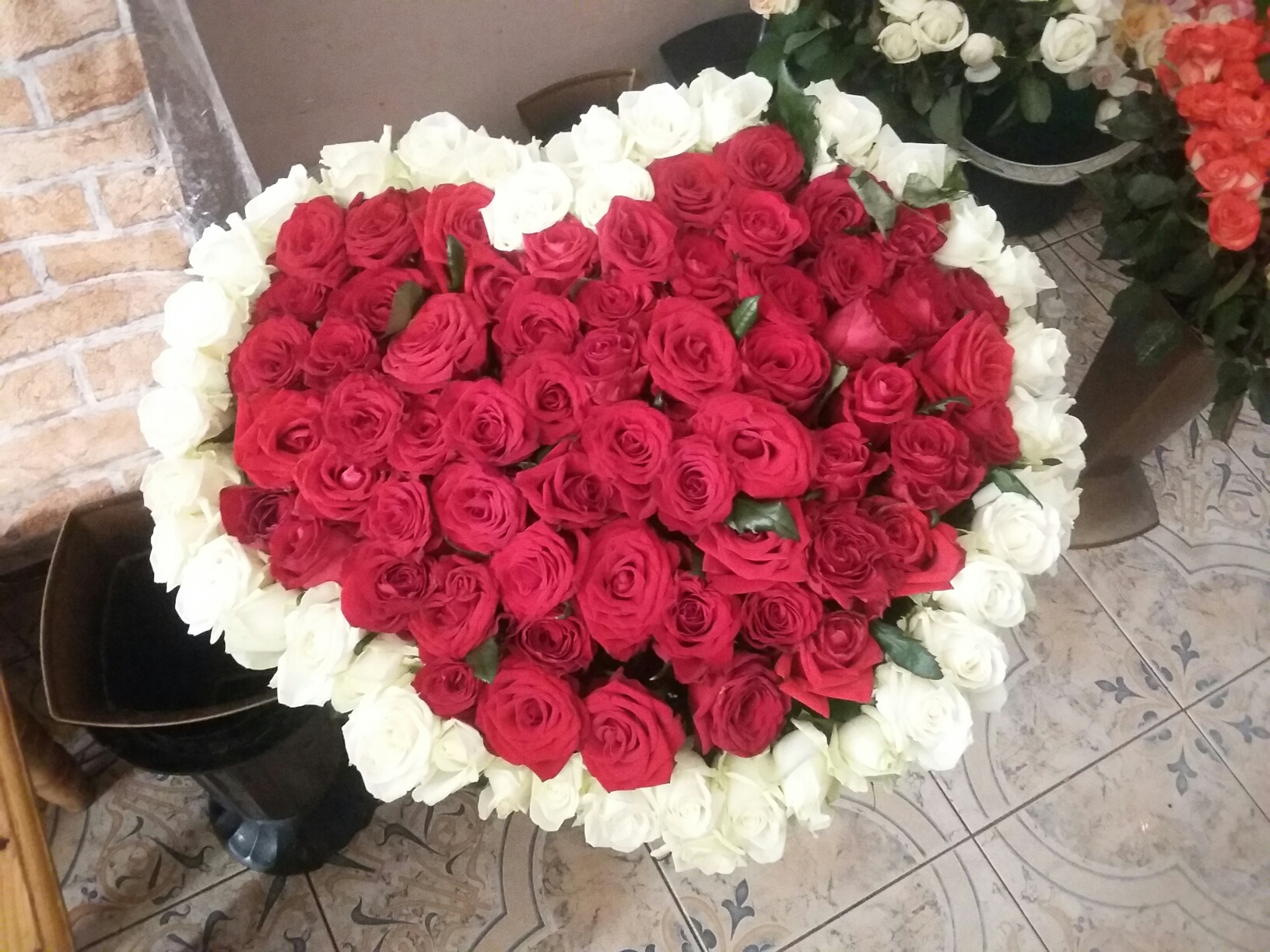 Троянди у формі серця - квіти Івано-Франківськ, зображення 1