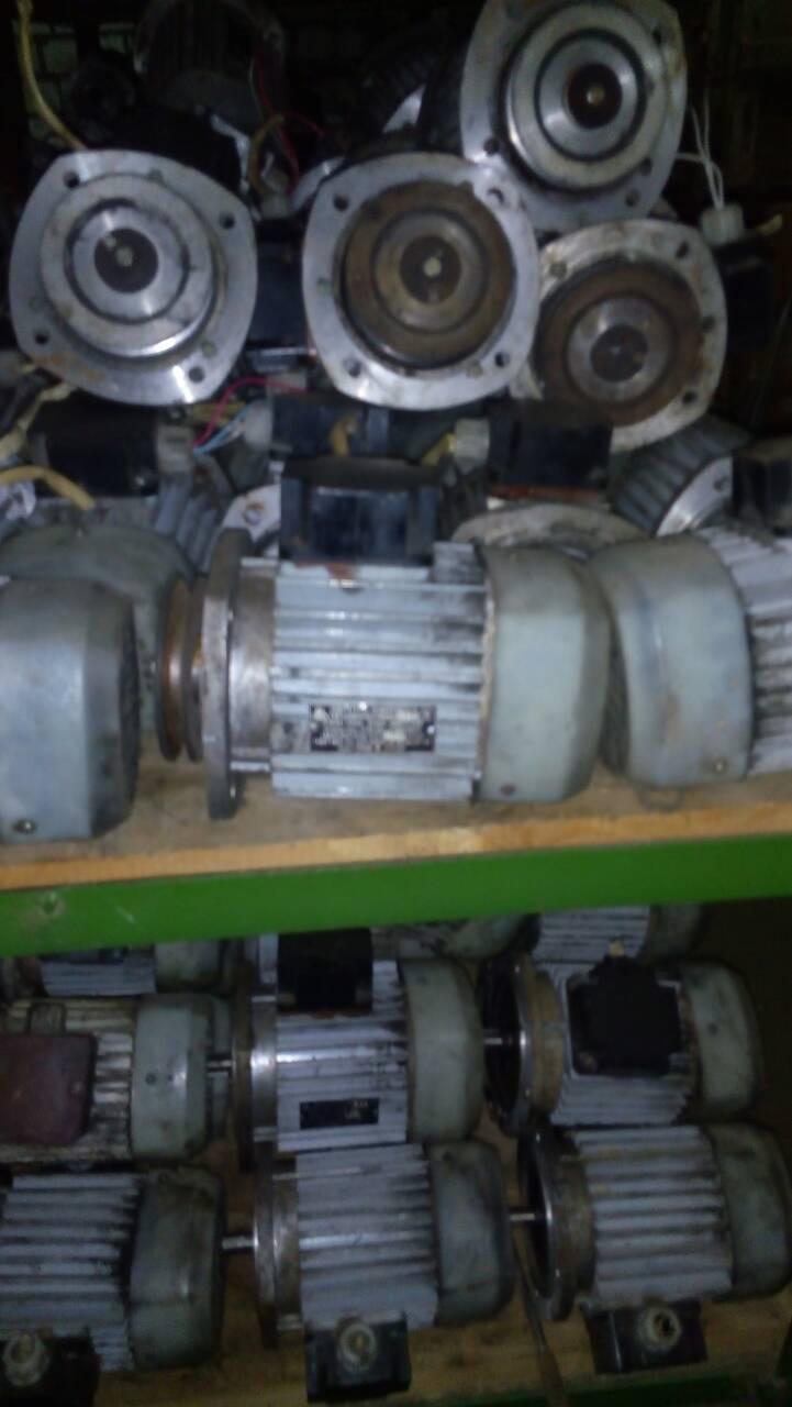 Трехфазные асинхронные электродвигатели 4ААМ63А2, зображення 1