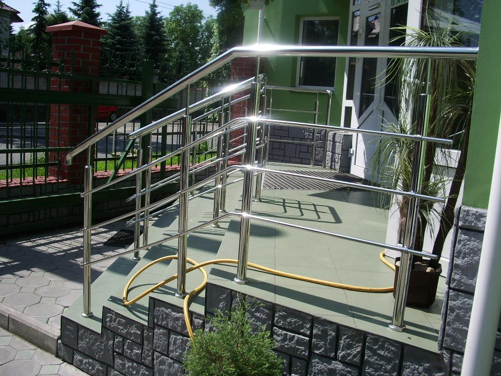 Металодерев'яні сходи, перила з нержавіючої сталі, зображення 1